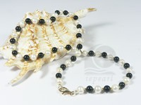 6-7mm Freshwater white potato pearls & black agate necklace