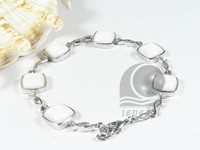 11mm white square shell bracelet